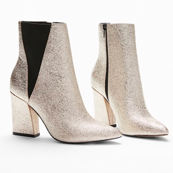 8454fca40f860 Express Pointed Toe Heeled Ankle Boots. M 5bf0ef516a0bb71332c012b8